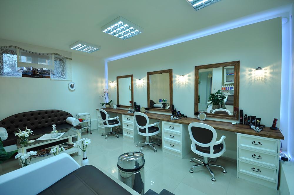 Salon Fryzjerski Wpożyczalnie Sprzętu Narciarskiego W Zakopanem